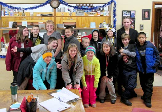 Students help at the homeless shelter